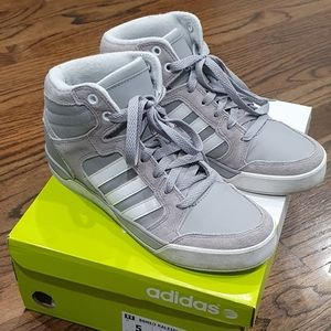 Adidas Neo Label High Tops Gray Size 5 YOUTH